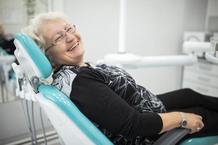 salud bucodental en personas mayores durante la COVID-19